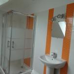 Salle de bain mandarine à l étage